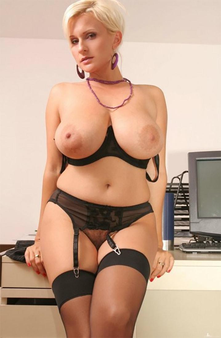 Alina bimbo secrétaire sexy